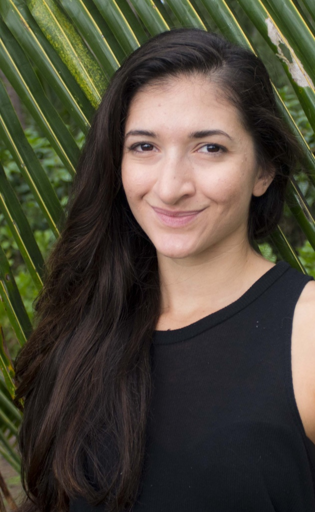 Head shot of Zoe Eisenberg, 2019 fellow of Creative Lab Hawaii Producers Immersive.