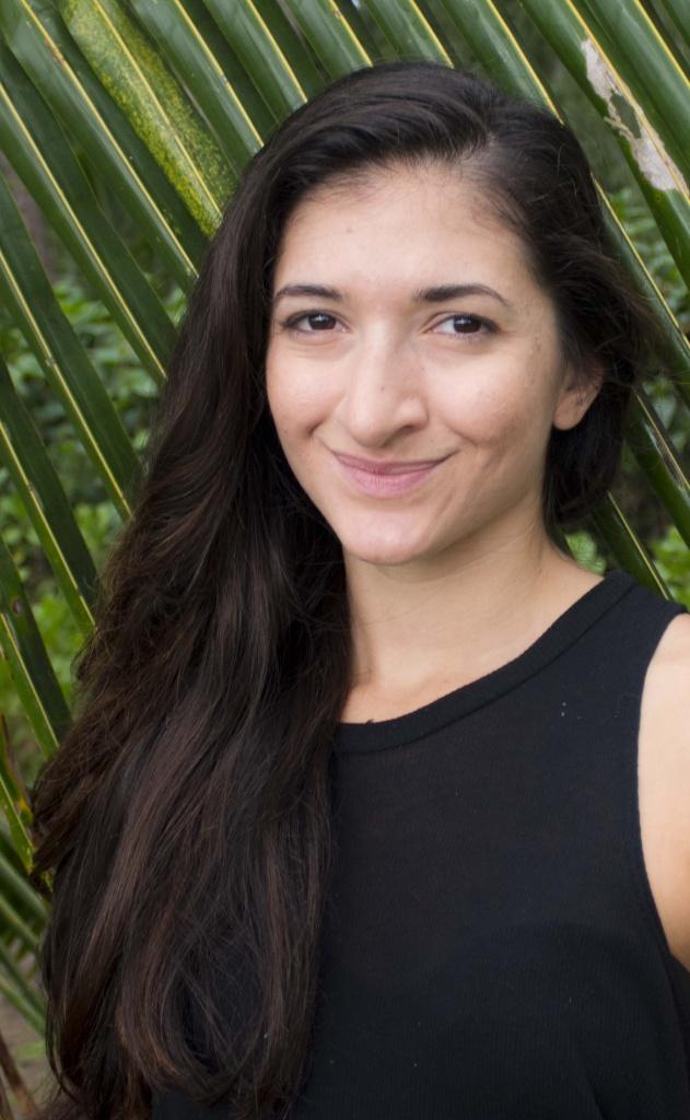 Head shot of Zoe Eisenberg, 2019 fellow of Creative Lab Hawaii Producers Immersive.
