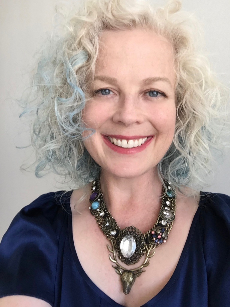 Laurie Parres is a coach for the 2019 Creative Lab Hawaii Writers Immersive.